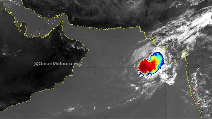 Cyclone Maha weakens around 1000 km from Oman coast