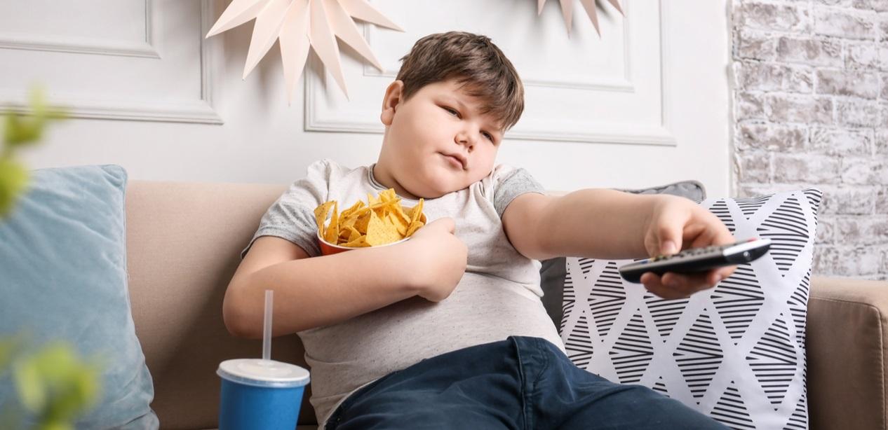 دراسة أمريكية: الطفل وحيد أسرته أكثر عرضة للسمنة