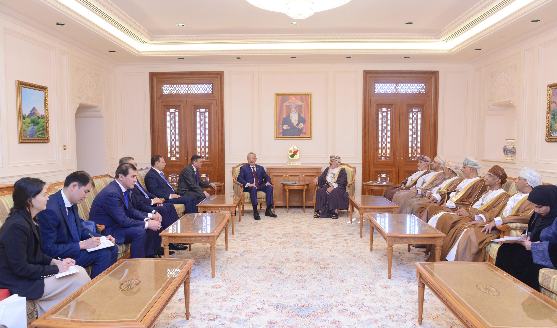 """نائب رئيس مجلس الشيوخ """"الكازاخستاني"""" يختتم زيارته للسلطنة"""