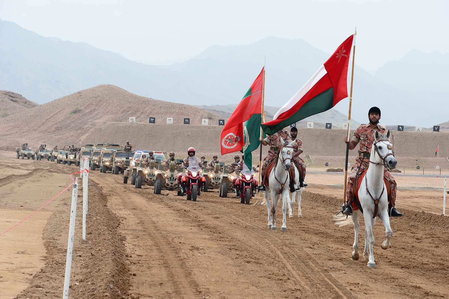 الجيش السلطاني العماني يحتفل بيوم القوات المسلحة ويوم المتقاعدين