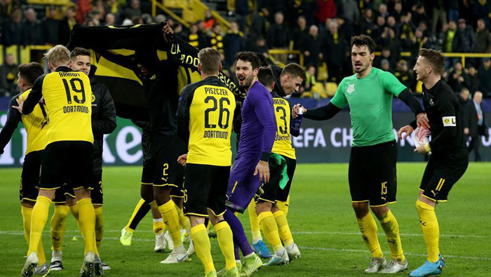 Dortmund into Champions League knockouts after Slavia victory