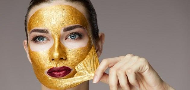 قناع الذهب.. كنز من الفوائد للوجه والبشرة