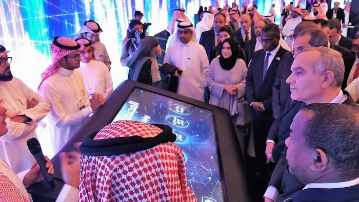 Oman takes part in Riyadh telecommunication meeting