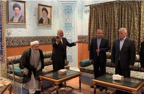 طهران تايمز: رجال أعمال إيرانيون يبحثون مع جواد ظريف سبل تحسين التجارة في السلطنة