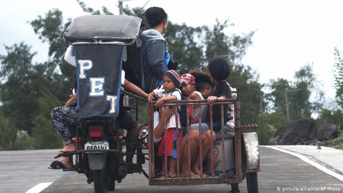 Hundreds of thousands evacuated as Philippines braces for Typhoon Kammuri