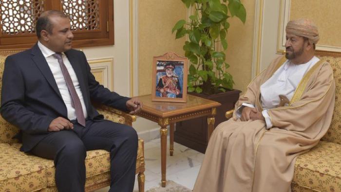 Al Busaidi receives Bahraini and Yemeni envoys