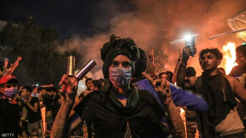 احتجاجات العراق.. جرحى وقنابل مسيلة للدموع في كربلاء