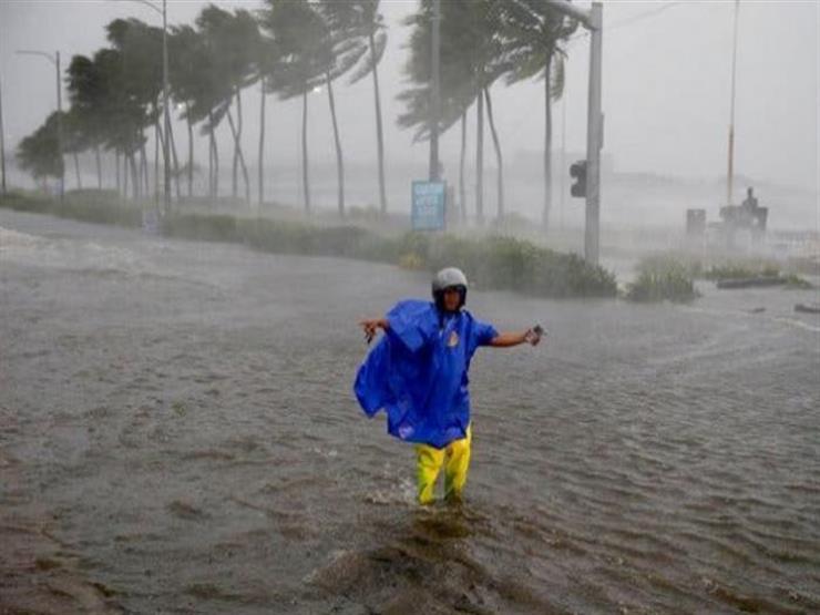 """الإعصار """"كاموري"""" يودي بحياة 11 شخصا ويتسبب في نزوح نصف مليون شخص بالفلبين"""