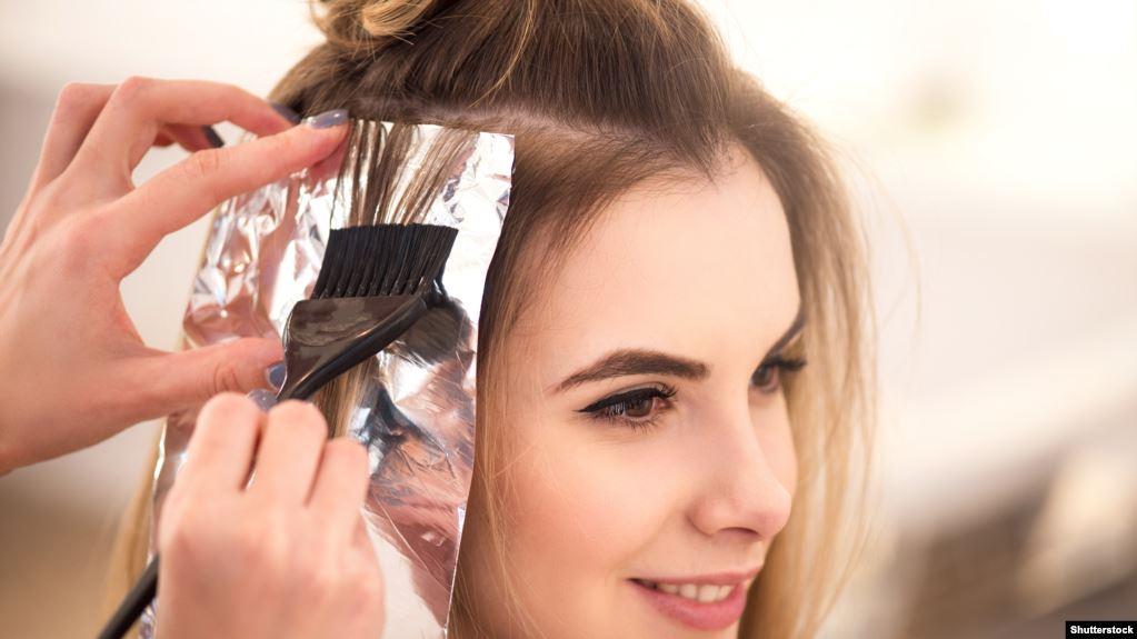 دراسة تربط بين صبغة الشعر والسرطان.. تعرف عليها