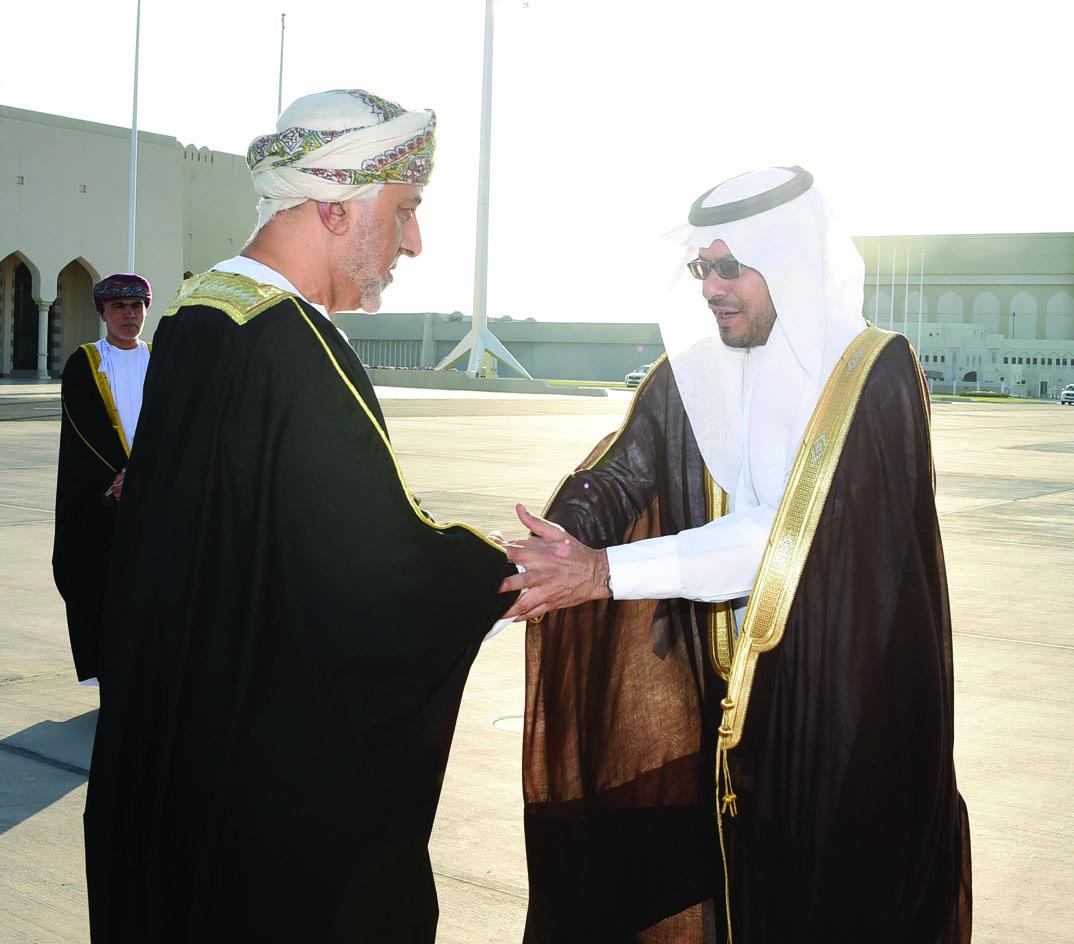 شهاب بن طارق يتوجه إلى السعودية لنقل تعازي جلالة السلطان