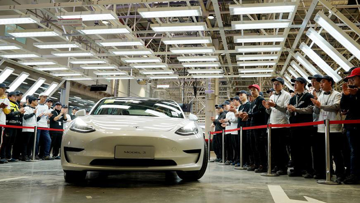 First batch of vehicles produced at Tesla's overseas plant in Shanghai