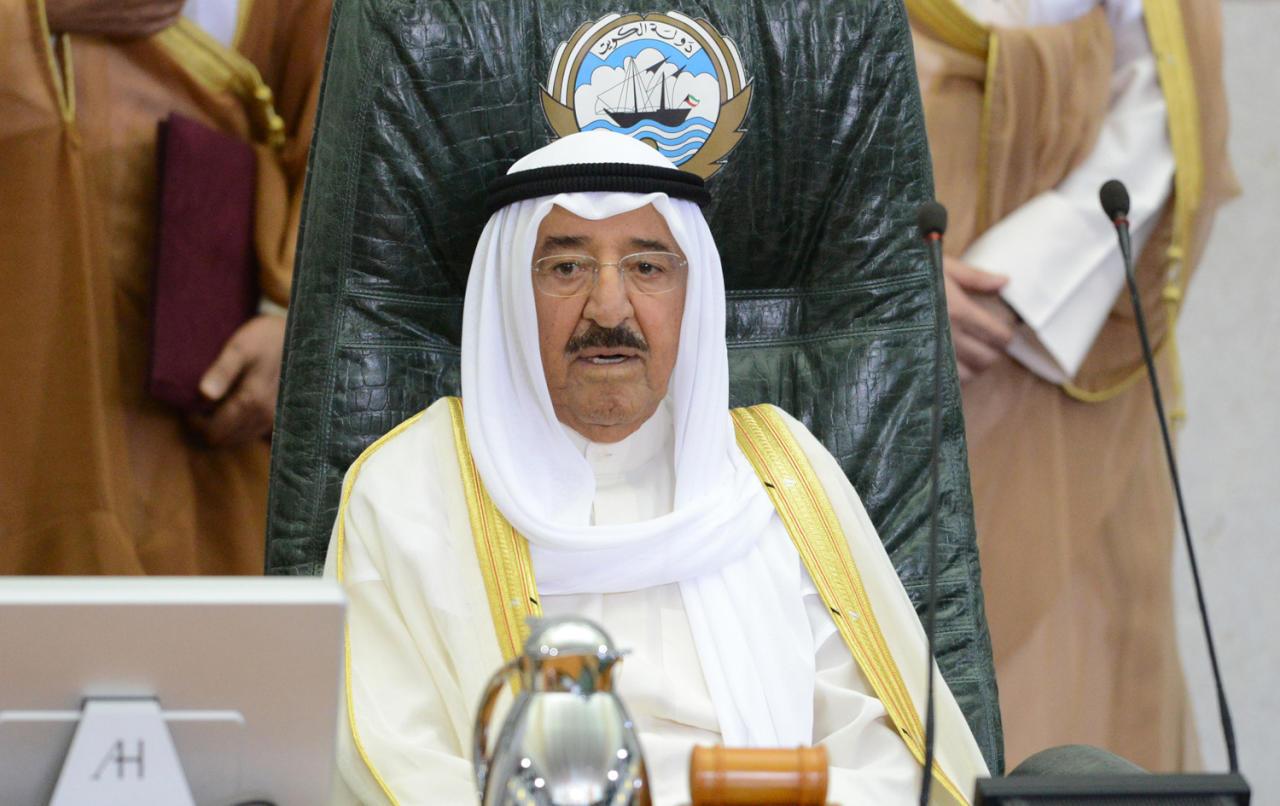 أمير الكويت ينعى عُمان بوفاة المغفور له جلالة السلطان قابوس : فقدت أخاً عزیزاً ورفیق درب