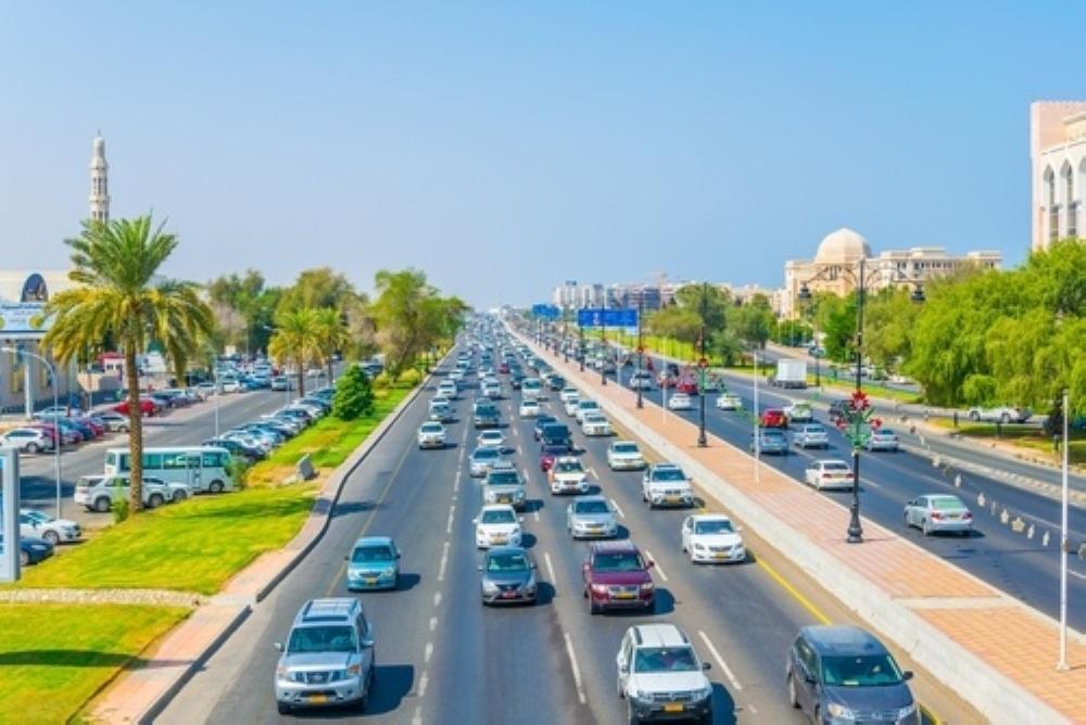 إغلاق شارع السلطان قابوس أمام الحركة المرورية من دوار برج الصحوة إلى مدينة مسقط