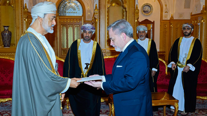 His Majesty the Sultan gives audience to US Presidential delegation