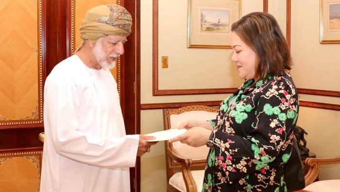 US Ambassador to Oman presents credentials to foreign affairs minister