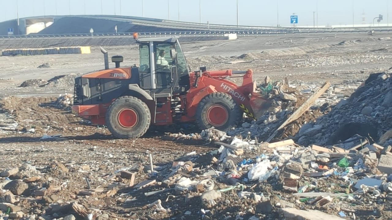 Municipality in Oman continues efforts to remove construction waste