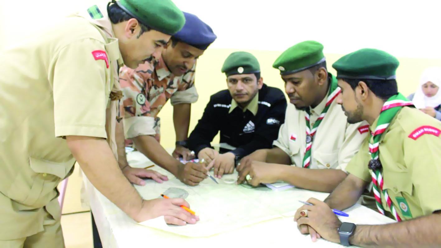 دورة تخصصية للملاحة البرية لقادة الوحدات الكشفية بشمال الباطنة