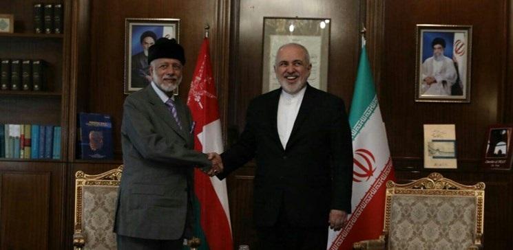 معالي يوسف بن علوي يجري محادثات مع جواد ظريف