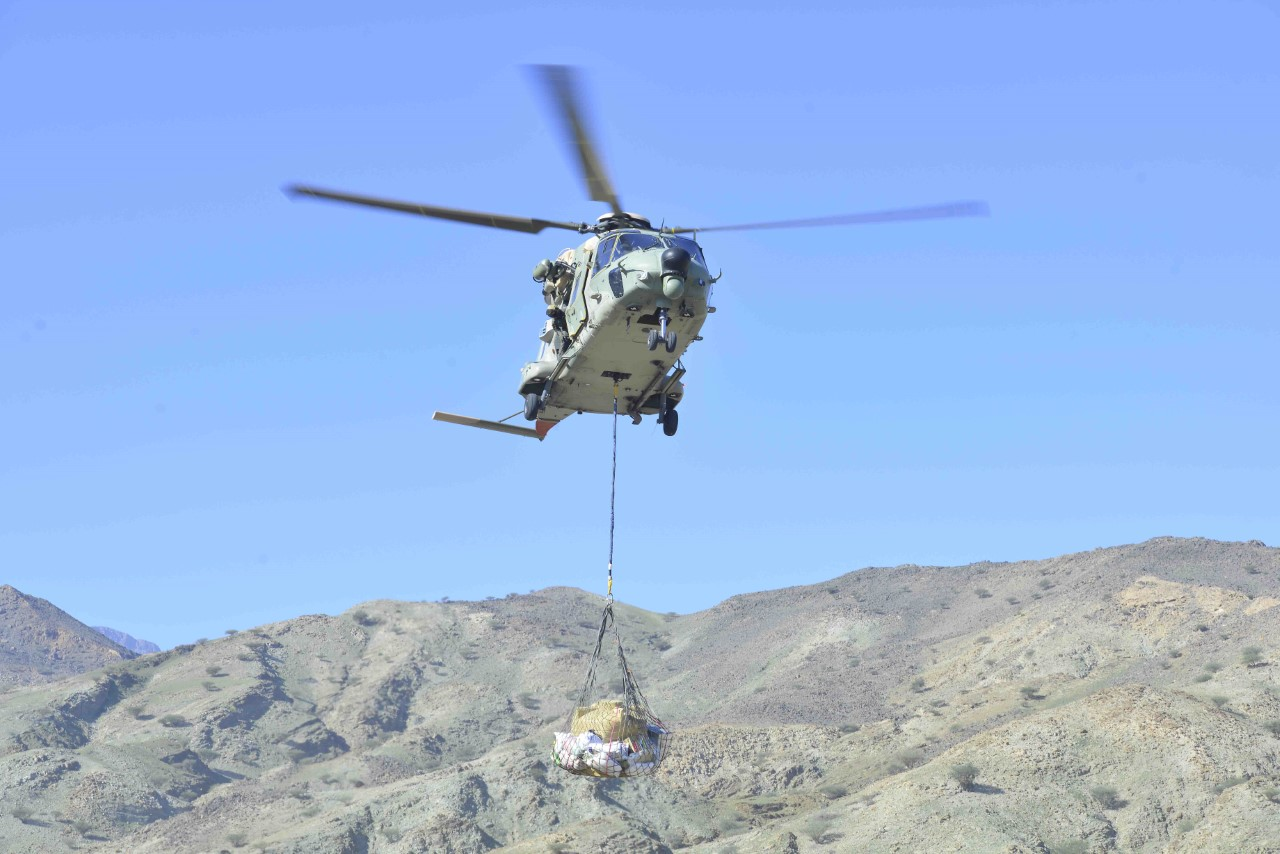 Royal Oman Force chopper transports aid to people in Muscat