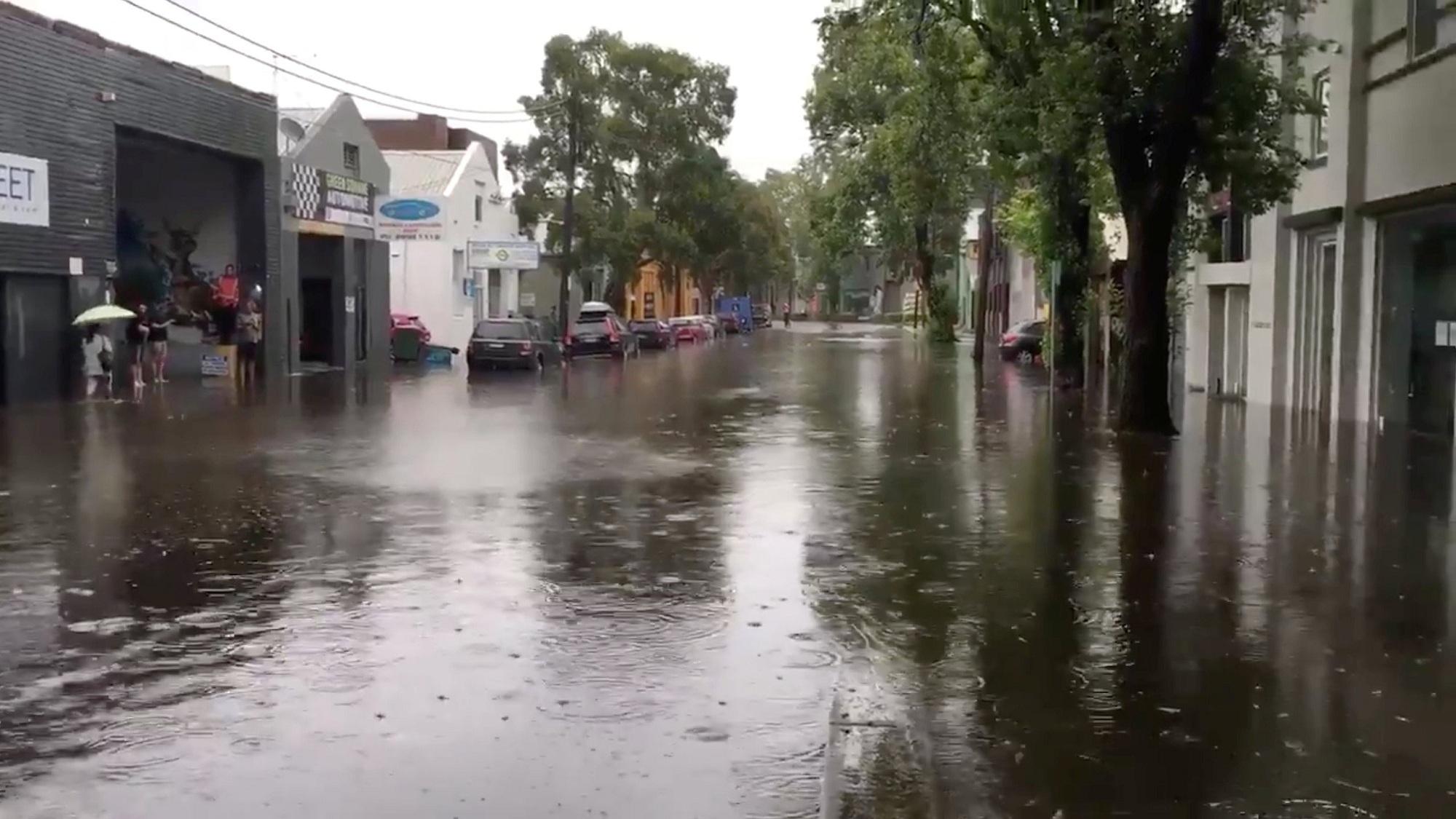 إجلاء سكان الساحل الشرقي لأستراليا بسبب هطول الأمطار الغزيرة