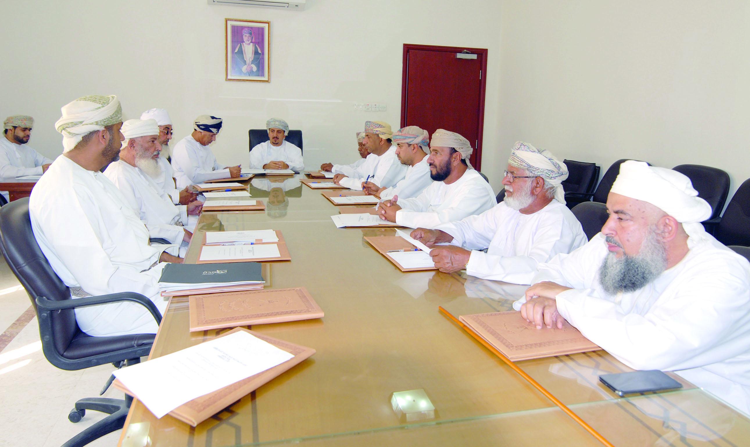 اجتماع لجنة التنمية الاجتماعية بالمضيبي