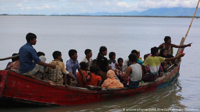 Sixteen dead as Rohingya refugee boat sinks near Bangladesh