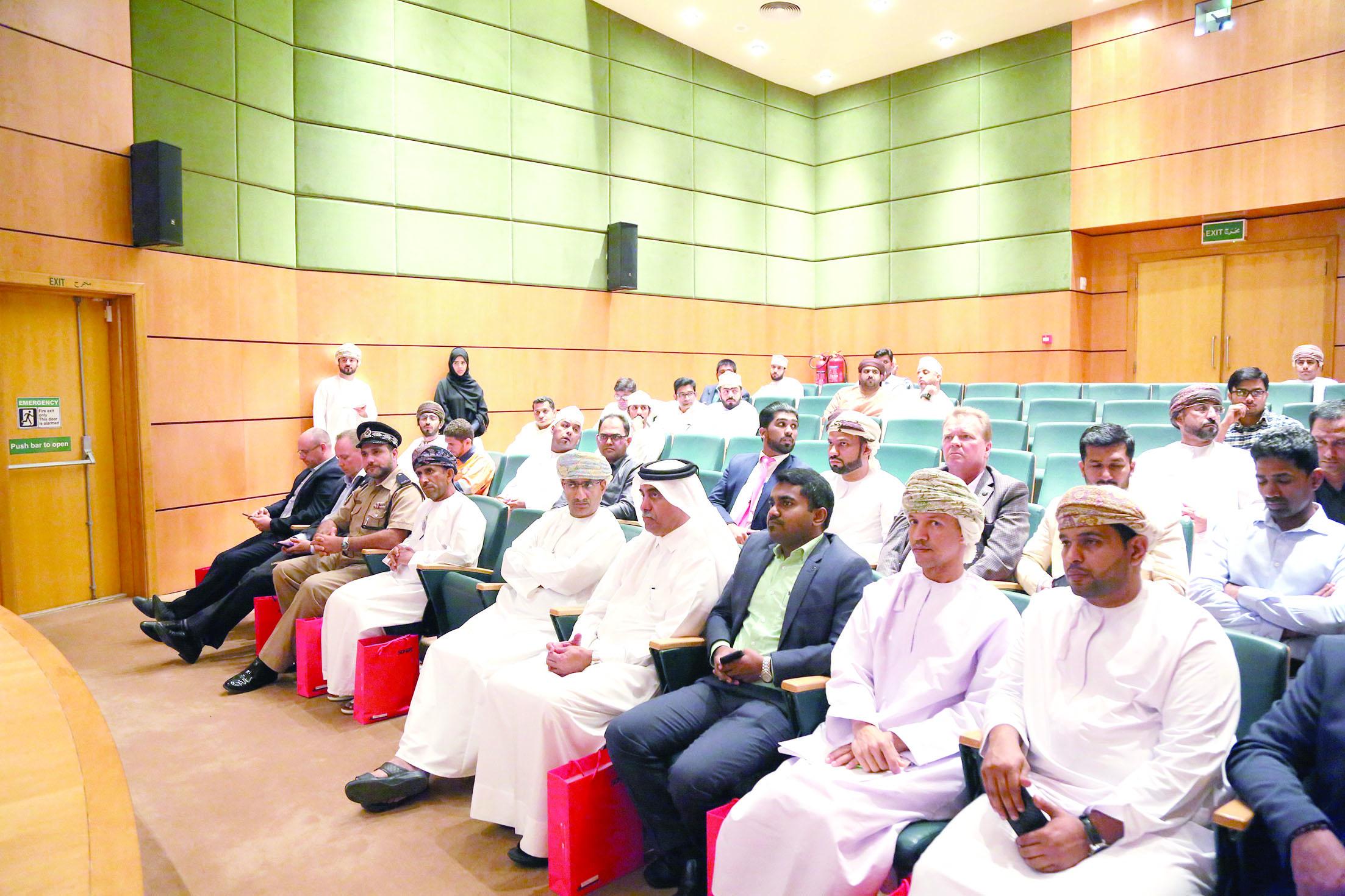 لقاء للشركات في المنطقة الحرة  بصحار لمناقشة التطوارت في القوانين الجمركية