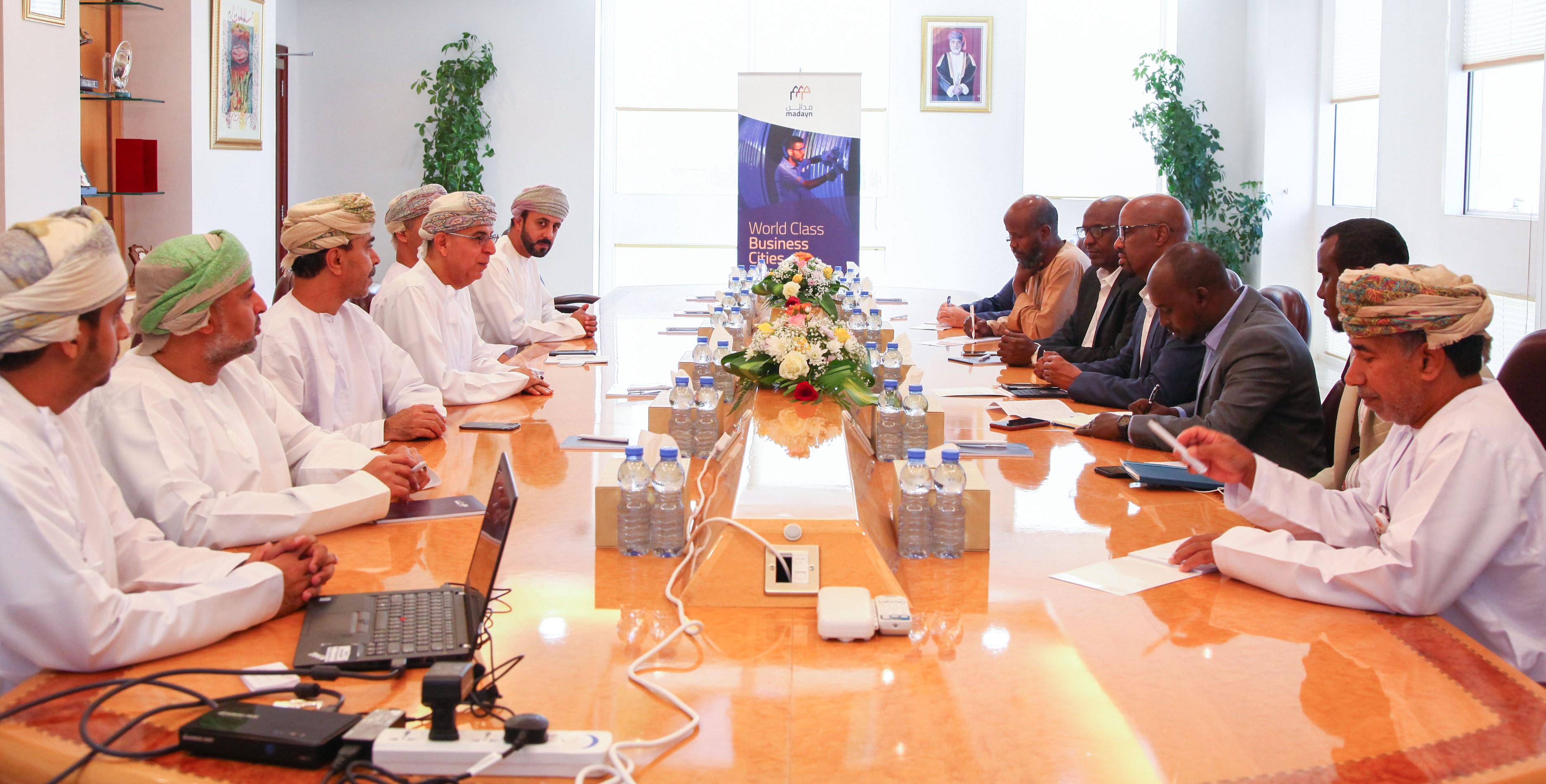 """الصومال تبحث عن الفرص """"الاستثمارية""""  في  السلطنة"""