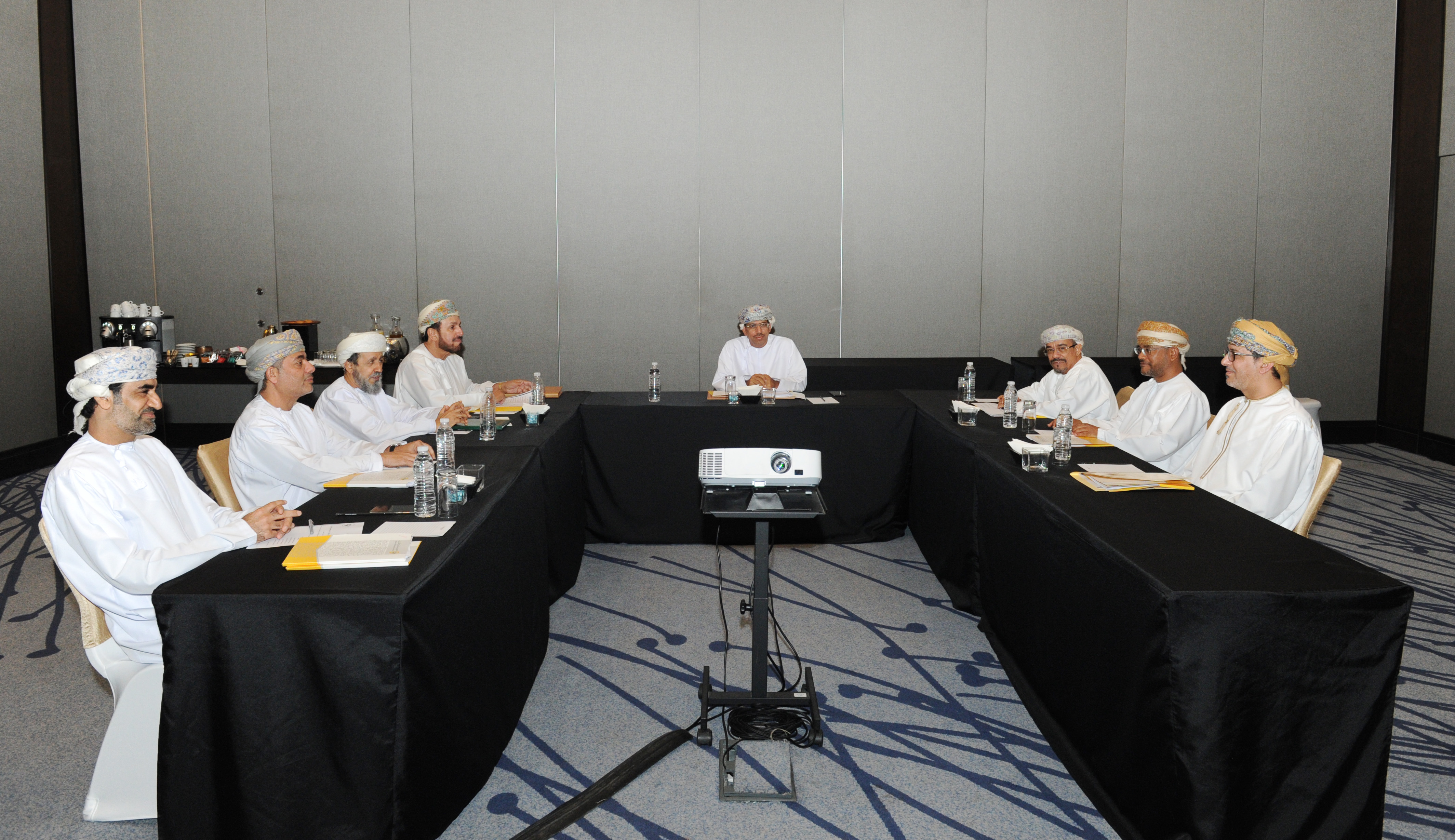 اجتماع اللجنة الرئيسية المنظمة لمعرض مسقط الدولي للكتاب في دورته الـ٢٥