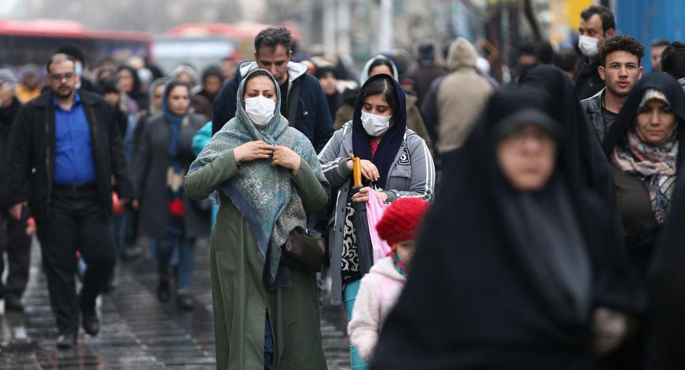 """""""روحاني"""" يعلن عدم فرض حجر صحي على أي مدينة إيرانية"""