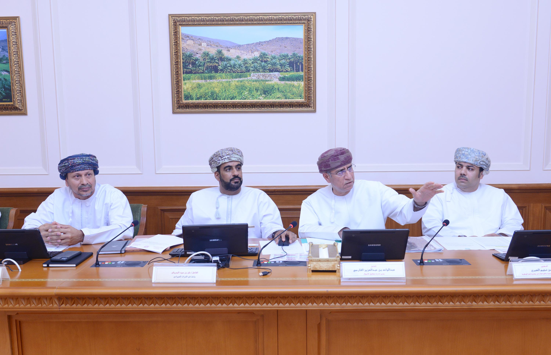 مجلس الدولة يستعرض مرئيات عدد من الجهات لاستثمار  الحارات العمانية سياحياً
