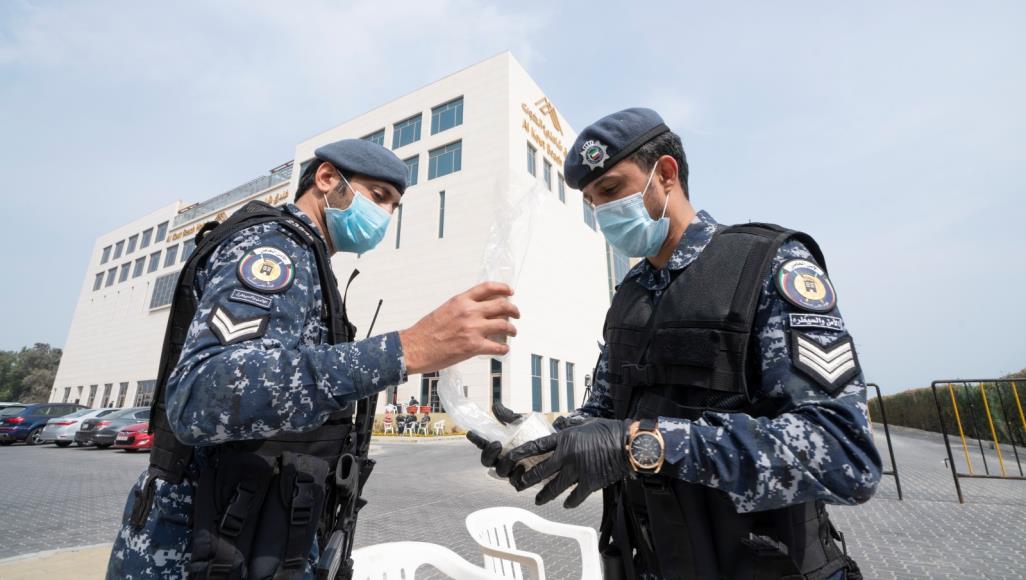 سفارتنا في الكويت توصي العمانيين باستخدام الجوازات بالمنافذ البرية الكويتية