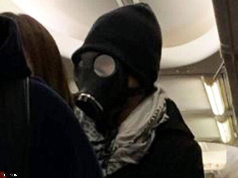قصة مسافر خاف من كورونا فأثار الذعر في الطائرة