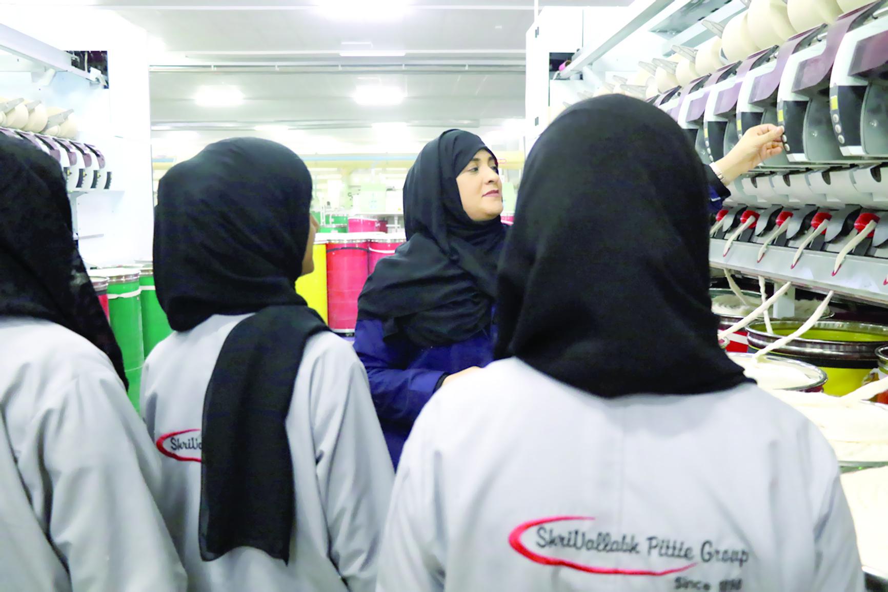 """85 % من وظائف """"مصنع النسيج"""" بالمنطقة الحرة بصحار للنساء"""