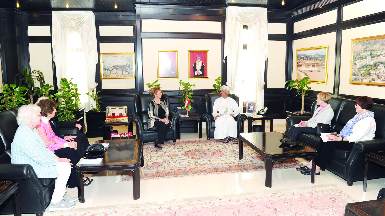 الرواس يستقبل وفد المجلس الوطني للعلاقات العربية الأمريكية