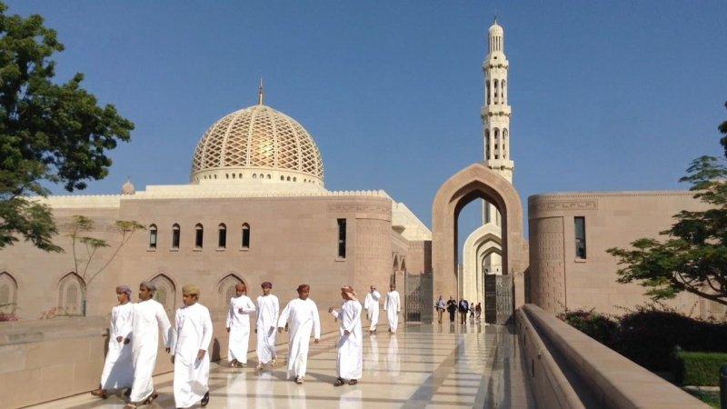 إيقاف شعائر صلاة الجمعة في جميع مساجد السلطنة