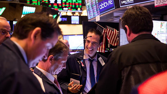 US equities rebound amid hopes for stimulus