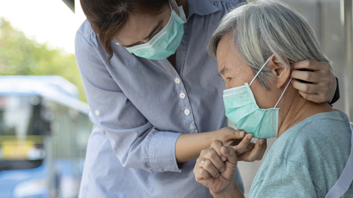 Coronavirus and Alzheimer's: What family caregivers need to know