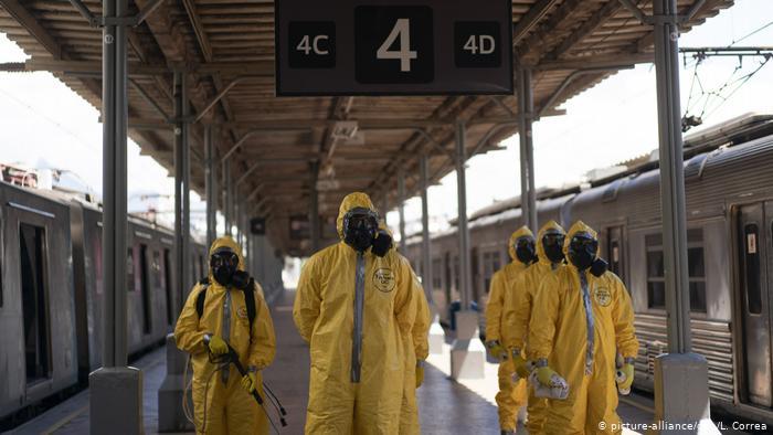 Bolsonaro polarizes Brazil with lax coronavirus response