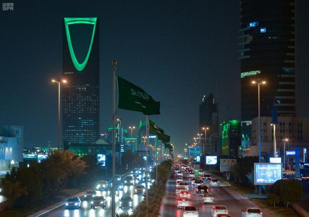 السعودية تمنع دخول المتاجر لمن تقل أعمارهم عن 15 عاماً