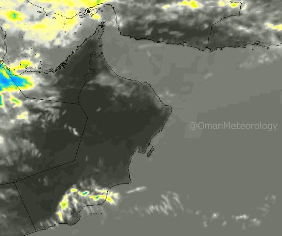 الأرصاد : تدفق السحب العالية على الأجزاء الشمالية للسلطنة