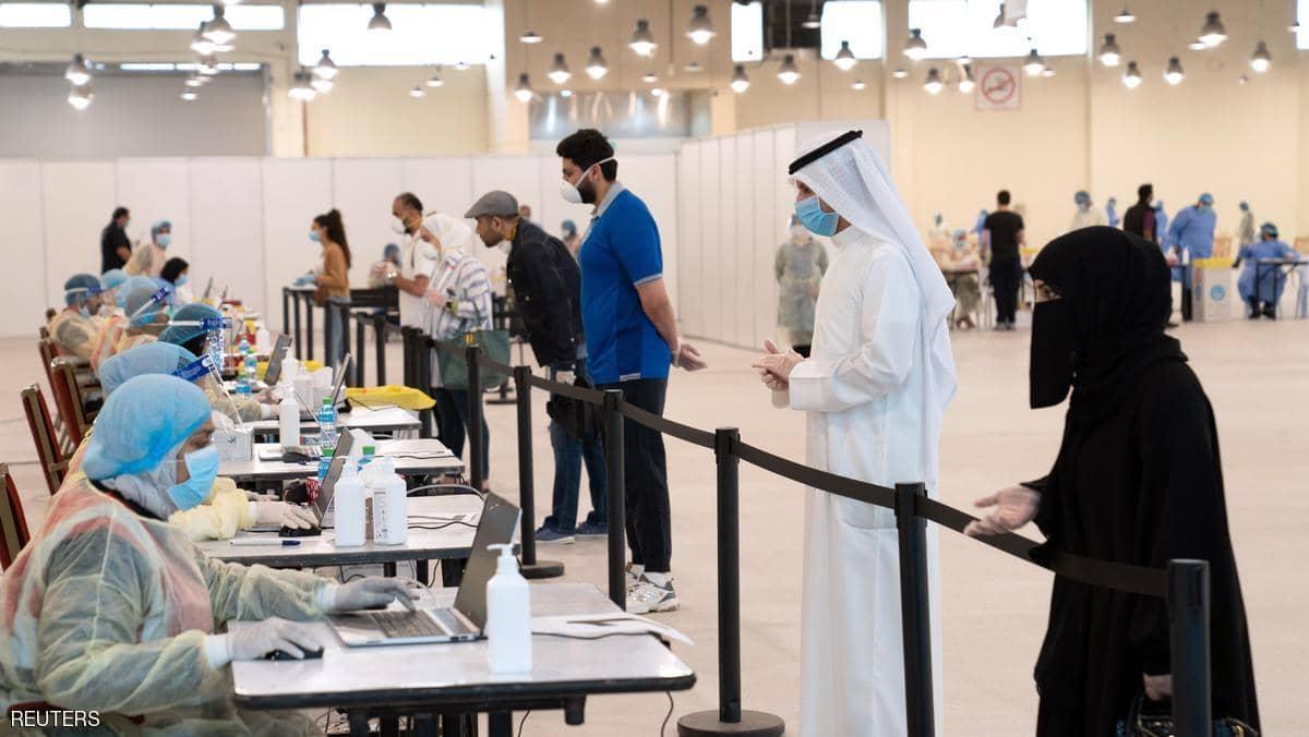 الكويت تسجل 93 إصاية جديدة بفيروس كورونا