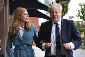 """بعد تعافيه من """"كورونا"""".. رئيس الوزراء البريطاني وخطيبته يرزقان بمولود"""
