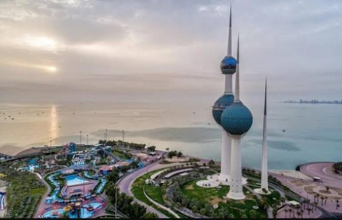 """الكويت تسجل أعلى إصابات يومية بـ""""كورونا"""" بـ300 حالة.. 98% منها لمخالطين"""