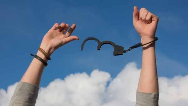 Fak Kurba initiative: More than 100 prisoners released in Oman