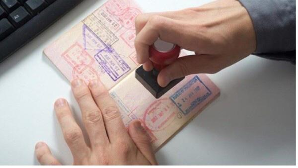 Exclusive: Residents can renew visa online, says Royal Oman Police