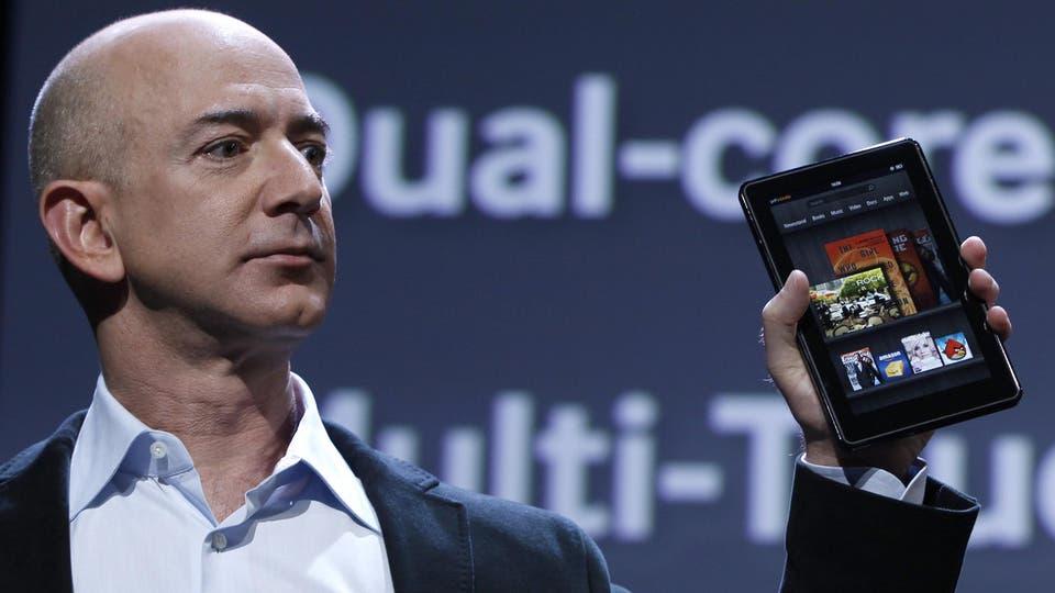 """رجل أعمال قد يصبح أول """"تريليونير"""" في العالم"""