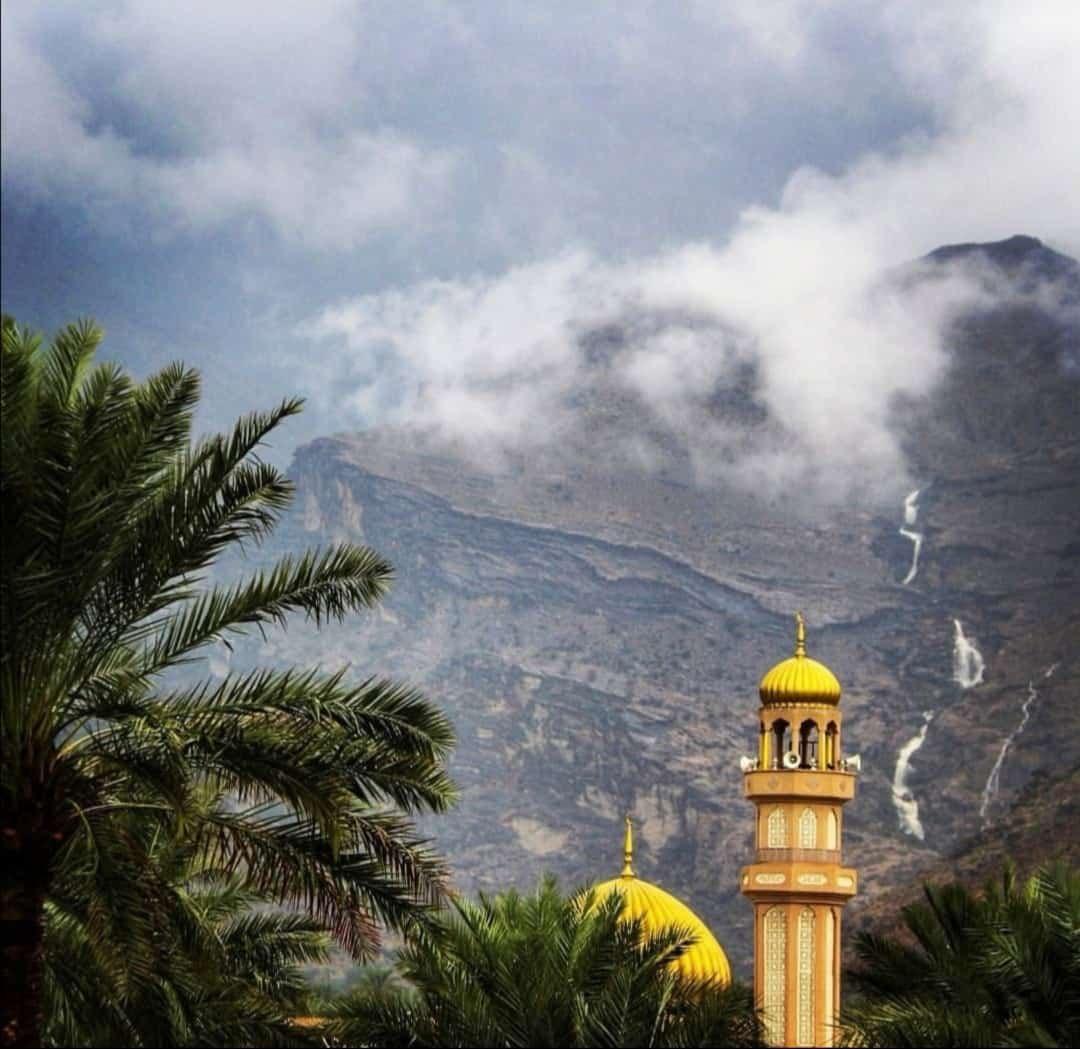 الطقس: فرص تكون السحب الركامية و هطول أمطار رعدية على جبال الحجر