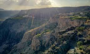 الطقس..استمرار فرص الأمطار على جبال الحجر