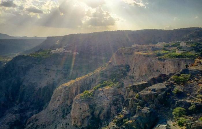 الأرصاد :  أمطار متفرقة رعدية على جبال الحجر